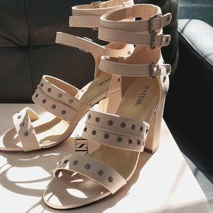 Women's size 9 sandals color-blush
